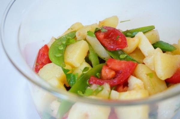 新じゃがとトマトのサラダ